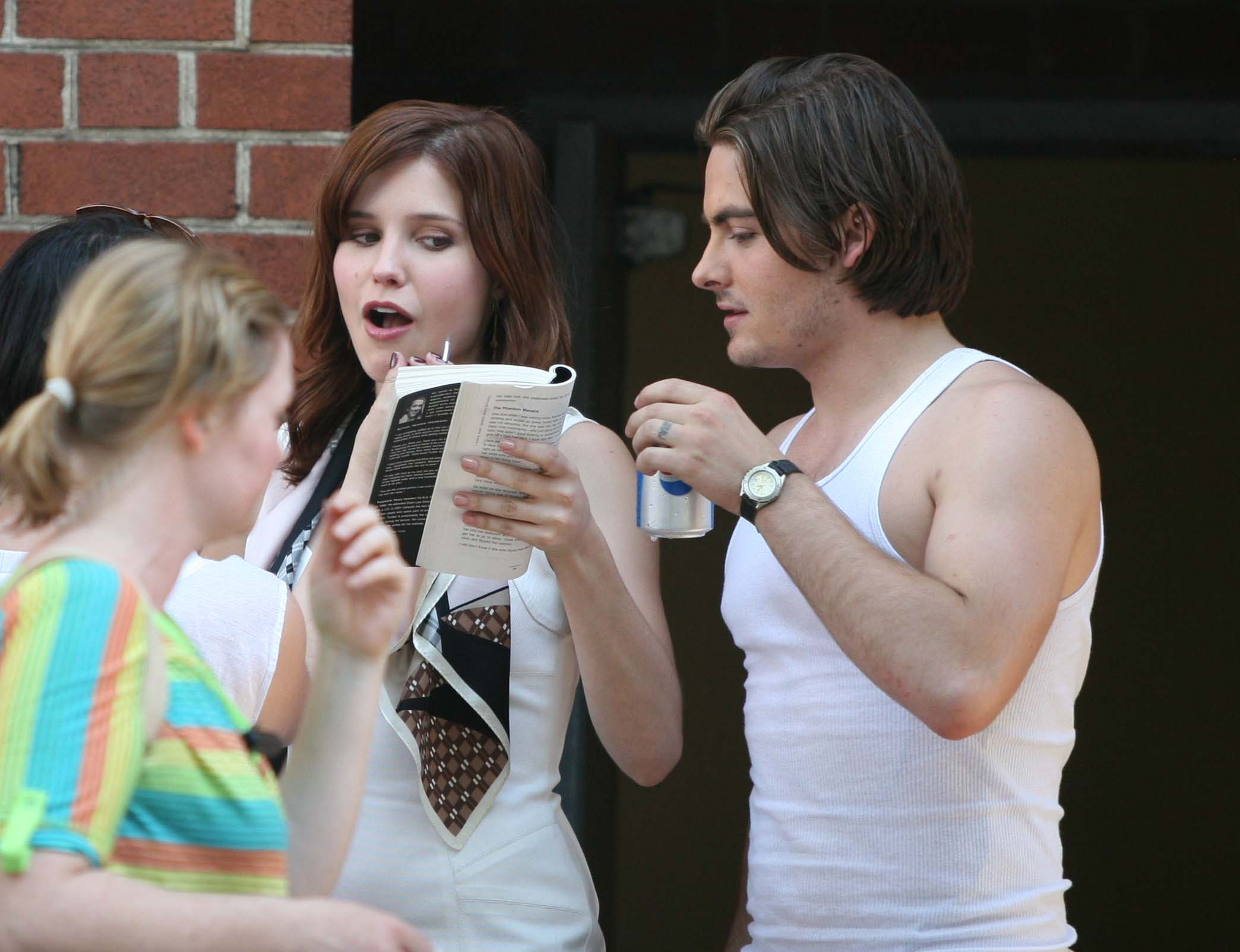 Pics For > Kevin Zegers And Samaire Armstrong